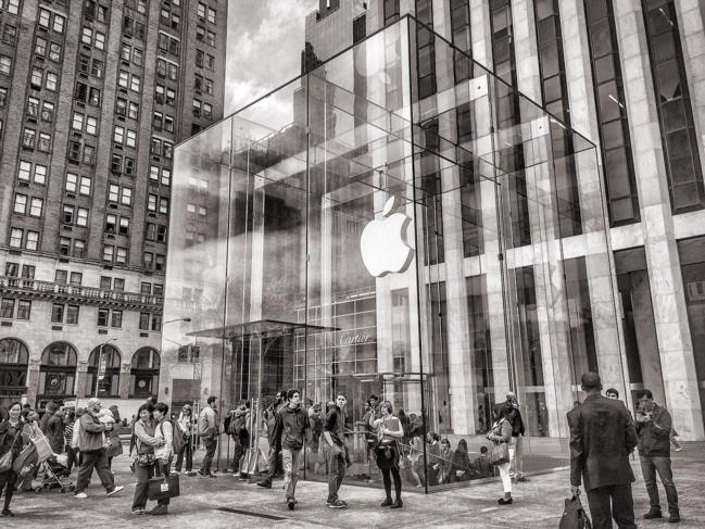 Apple perd la patronne de ses boutiques, Angela Ahrendts