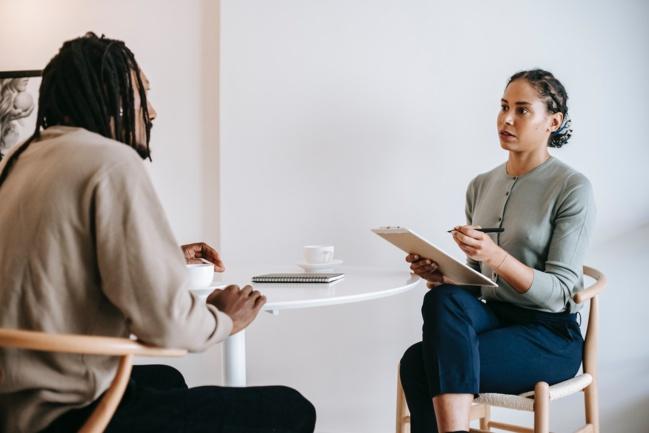 Les patrons souhaitent un retour au bureau, pas les salariés