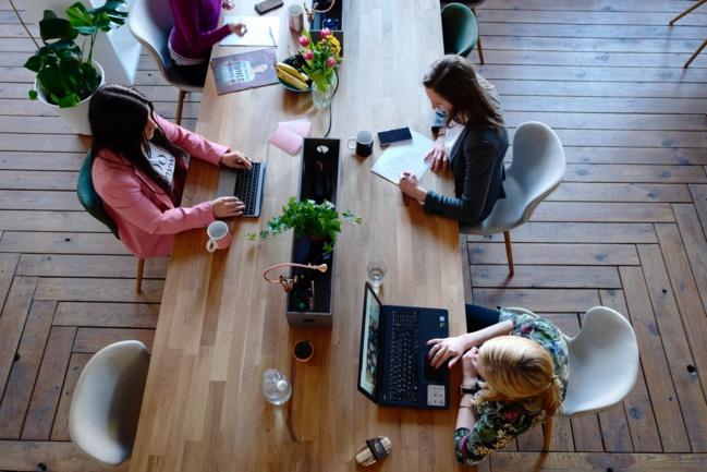 Télétravailler à l'autre bout du monde : une start-up existe pour faciliter l'expatriation