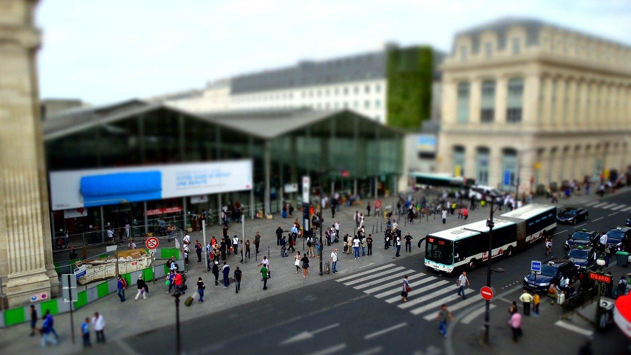 Comment l'État compte-t-il aider la SNCF ?