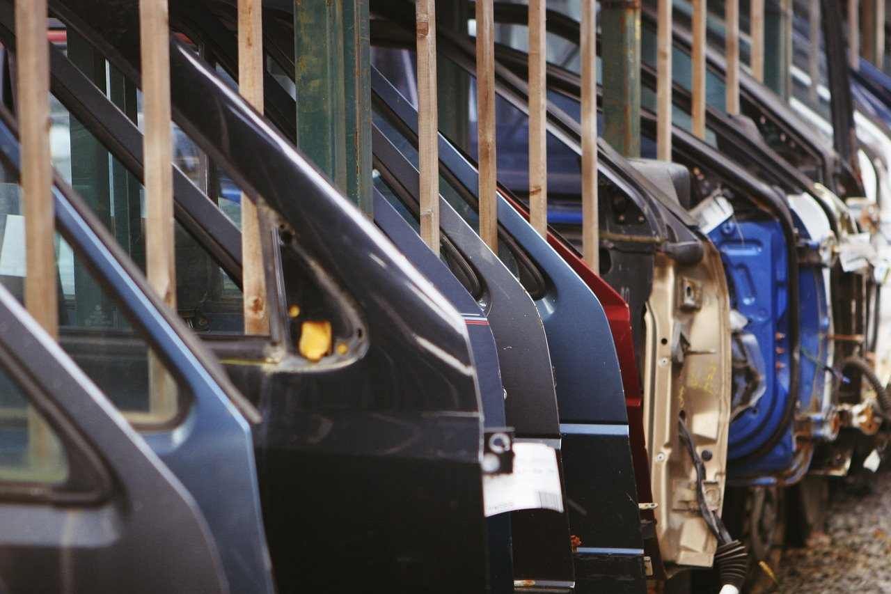 Industrie automobile : l'aide de l'État contre des relocalisations