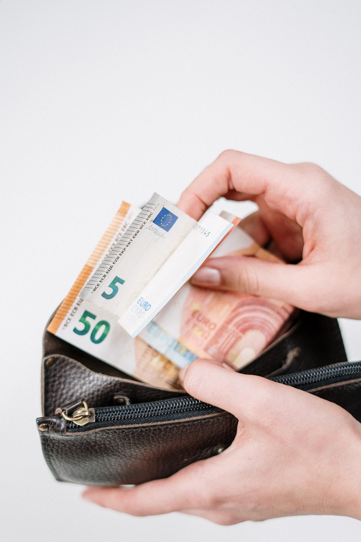 Bruno Le Maire demande aux patrons un effort sur les rémunérations