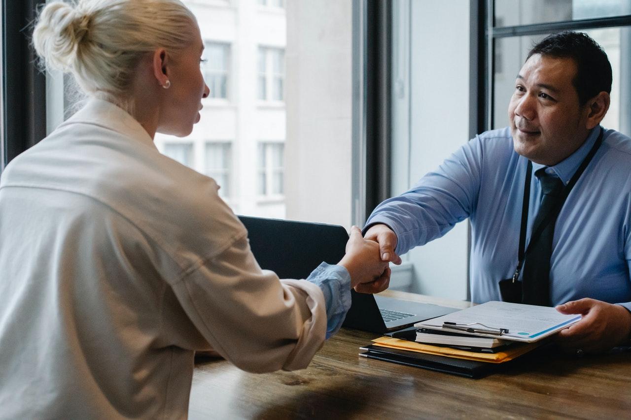 2 chefs d'entreprise sur 5 envisagent de recruter un jeune diplômé