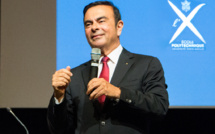 Carlos Ghosn lâche un peu de lest chez Nissan