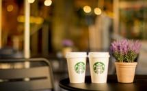 Starbucks augmente ses salariés puis ses boissons : y a-t-il un lien ?